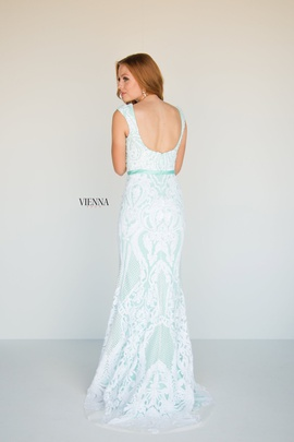 Style 8810 Vienna Light Green Size 4 Lace Mermaid Dress on Queenly