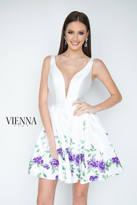 Queenly size 4 Vienna White Cocktail evening gown/formal dress