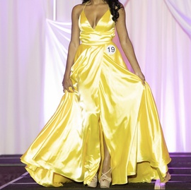 Sherri Hill Yellow Size 0 Prom Silk Plunge Side slit Dress on Queenly