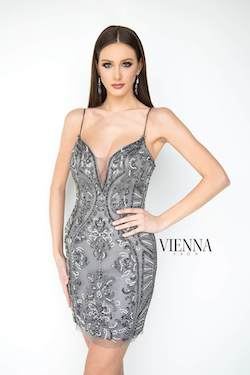 Style 6082 Vienna Silver Size 00 Mini Plunge Cocktail Dress on Queenly