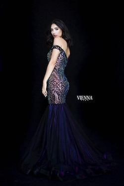 Style 82000 Vienna Purple Size 16 Plus Size Mermaid Dress on Queenly