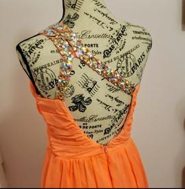 De Orange Size 8 Prom Train Dress on Queenly