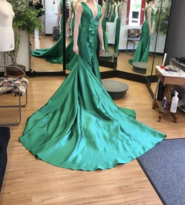 Queenly size 6 Mac Duggal Green Train evening gown/formal dress