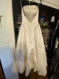 White Size 12 Ball gown on Queenly