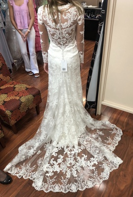 Casablanca White Size 4 Train Lace Straight Dress on Queenly