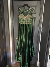 Mac Duggal Green Size 14 Tall Height Mermaid Dress on Queenly