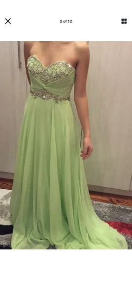 Cache Green Size 0 Sweetheart Tall Height Ball gown on Queenly