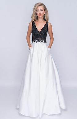 Queenly size 2 Nina Canacci White A-line evening gown/formal dress