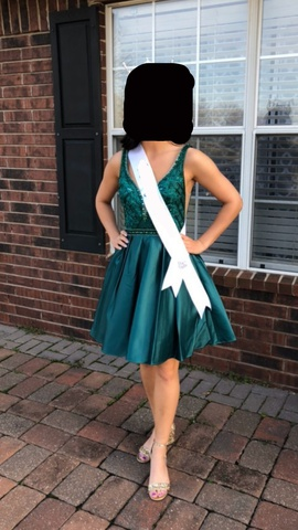 Queenly size 0  Green Cocktail evening gown/formal dress