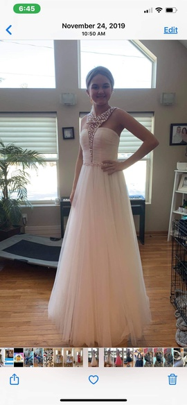 Sherri Hill White Size 00 Halter Jewelled Sequin Ball gown on Queenly