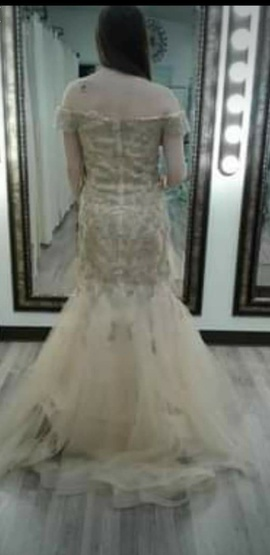Let's Gold Size 10 Prom Train Dress on Queenly