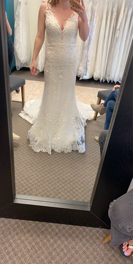 White Size 8 Straight Dress on Queenly