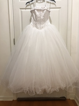 Queenly size 4 David's Bridal White Ball gown evening gown/formal dress