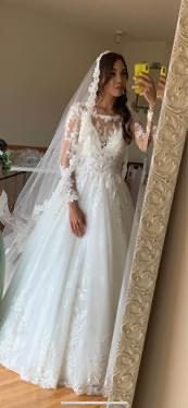Martin Thornburg White Size 4 Train Lace Ball gown on Queenly