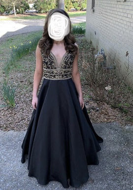 Vienna Black Size 4 Prom Ball gown on Queenly