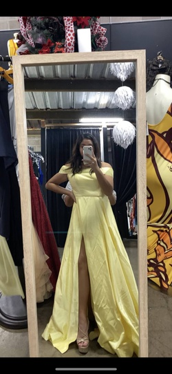 Queenly size 10  Yellow Ball gown evening gown/formal dress