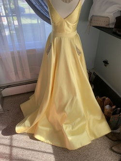 Sherri Hill Yellow Size 0 Plunge Prom Silk Ball gown on Queenly