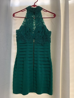 Sherri Hill Green Size 2 Emerald Cocktail Dress on Queenly