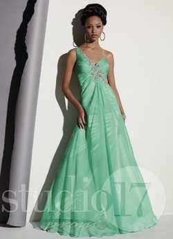 Queenly size 2 Studio 17 Green A-line evening gown/formal dress