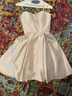 Camille La Vie Pink Size 0 Homecoming Straight Dress on Queenly