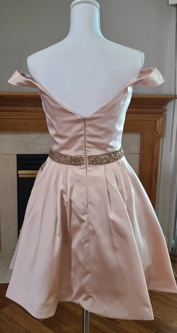Jovani Nude Size 6 Silk Cocktail Dress on Queenly