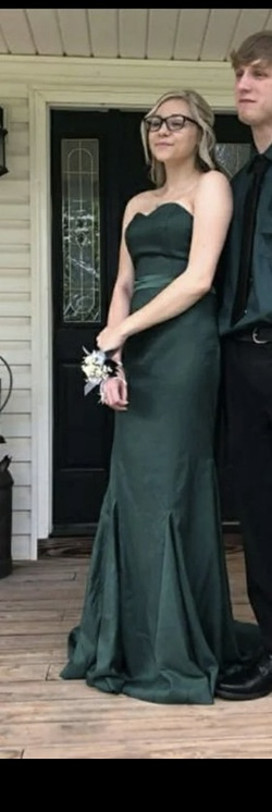 Queenly size 4  Green Train evening gown/formal dress