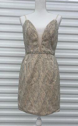 Jovani Nude Size 8 Mini Cocktail Dress on Queenly