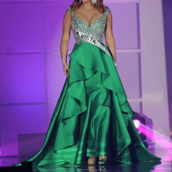 Queenly size 4 MacDuggal  Green Straight evening gown/formal dress