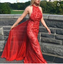 Jovani Red Size 6 Straight Dress on Queenly