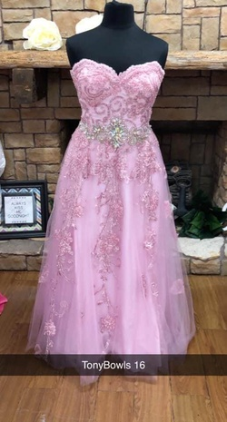 Queenly size 16 Tony Bowls Pink A-line evening gown/formal dress