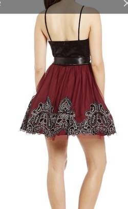 blondie nites Black Size 0 Homecoming Ball gown on Queenly