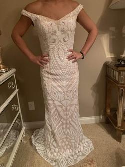 Jovani White Size 4 Wedding Straight Dress on Queenly