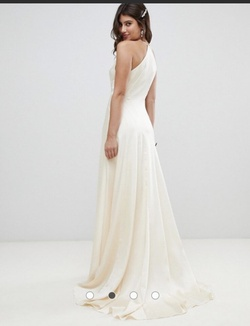 ASOS White Size 14 Plunge Plus Size Train Dress on Queenly