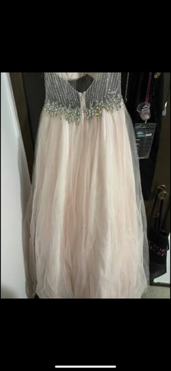 Pink Size 10 Ball gown on Queenly