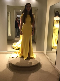 Sherri Hill Yellow Size 0 Prom Side slit Dress on Queenly
