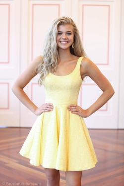 Sherri Hill Yellow Size 0 Pageant Cocktail Dress on Queenly