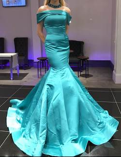 Sherri Hill Green Size 2 Jewelled Tall Height Mermaid Dress on Queenly