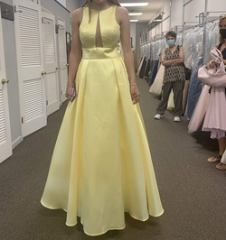 Queenly size 8 Madison James Yellow Ball gown evening gown/formal dress