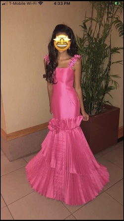 Queenly size 0 Tarik Ediz Pink Mermaid evening gown/formal dress
