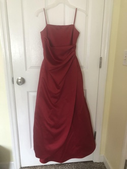 Queenly size 00 David's Bridal Red Straight evening gown/formal dress