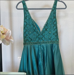 Coya Collection Green Size 4 Graduation Sequin Cocktail Dress on Queenly