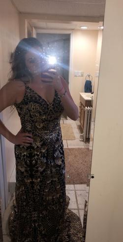 Ellie Wilde Black Size 10 Train Straight Dress on Queenly