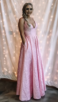 Queenly size 6 Sherri Hill Pink Straight evening gown/formal dress