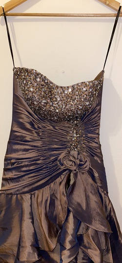 Neblon Gold Size 0 Ball gown on Queenly