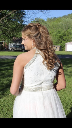 Sherri Hill White Size 12 Prom Halter Plus Size Ball gown on Queenly
