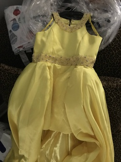 Queenly size 6  Yellow Train evening gown/formal dress