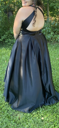 Blondie Nites Black Size 18 David's Bridal Ball gown on Queenly