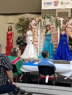 Rachel Allan White Size 12 Halter Plus Size Mermaid Dress on Queenly