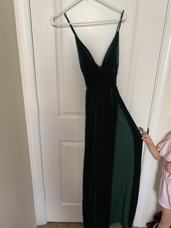 Green Size 2 Side slit Dress on Queenly