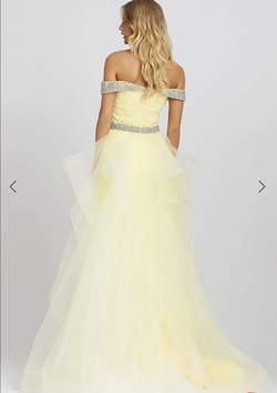 Mac Duggal Yellow Size 8 Prom Overskirt Ball gown on Queenly